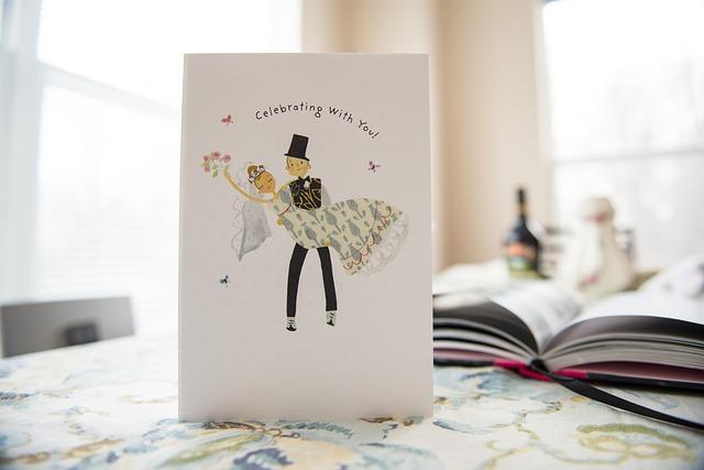 結婚式招待状の返信マナー!イラストやアートでの返信のマナーって?